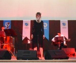 Edith Piaf Şarkıları Ajda Ahu Giray İle Can Buldu