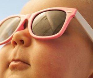 Güneşin Zararlı Işınlarından Korunmaya Bebeklik Ve Çocukluk ...