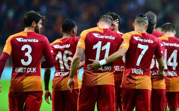Galatasaray Başakşehir'i Yakalamak İçin Fenerbahçe`yi Yenmek Zorunda
