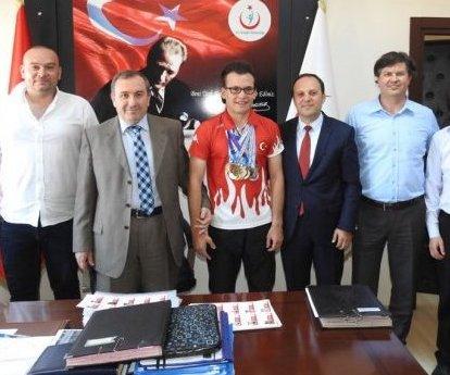 Türkiye Şampiyonu Ataberk Yücel, İl Sağlık ...