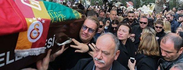 Demet Akbağ'ın Eşi Zafer Çika Gözyaşları İle Uğurlandı