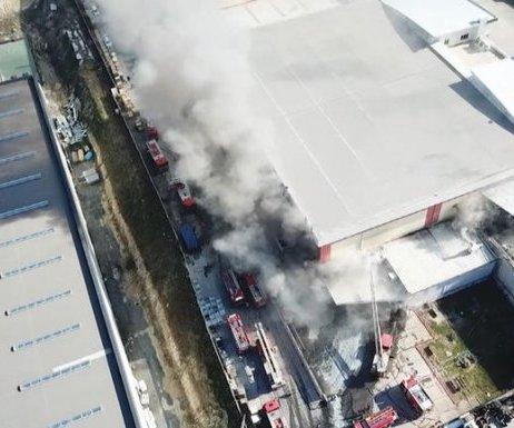 İstanbul Hadımköy`de Fabrikada Yangın