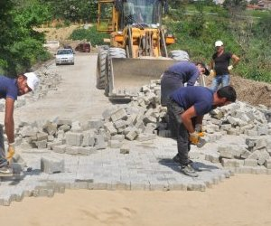 Malkara`da Yol Onarım Çalışmaları Devam Ediyor